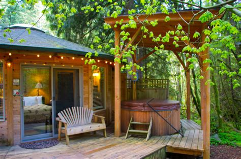 Stormking Spa And Cabins by Heron Cabin At Mt Rainier