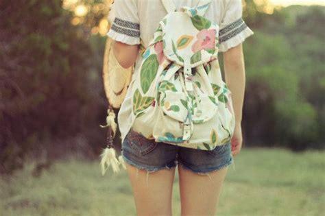 Backpack Motif Daun 13 model backpack ini bakal bikin kamu makin kece dan gaya
