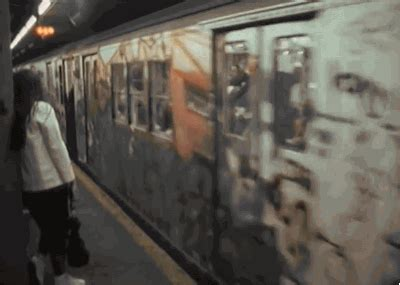 writing graffiti vzw nyc subway gif