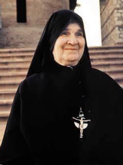 madre della speranza testo i 50 anni santuario preparati da dio con una lunga