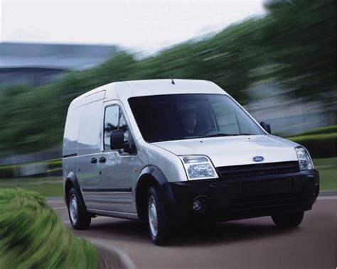 ford transit small 2010 ford transit connect small comes in at 22 mpg