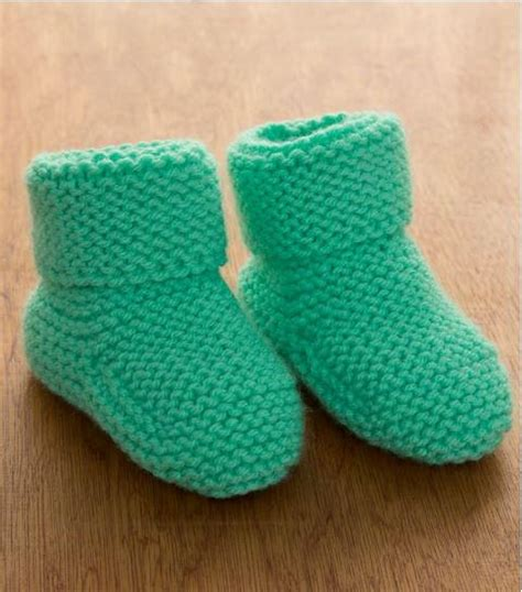 loom knit baby booties beginners minty garter stitch baby booties allfreeknitting