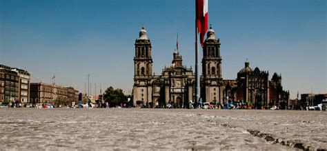 zocalo plaza mexico city a brief history of mexico city s z 243 calo
