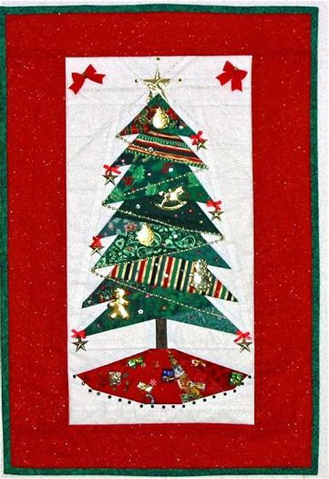 christmas tree wallhanging pattern picture of a christmas wallhanging paper pieced and with