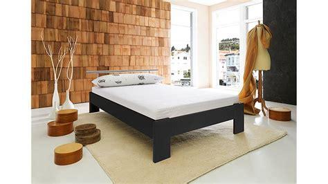 futonbett schwarz futonbett bobby schwarz inkl matratze und rollrost