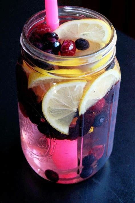 Berry Detox Water by Frozen Flush And Chang E 3 On