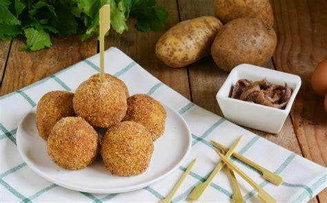 ricette di sedano ricetta polpette di sedano e patate all acciuga