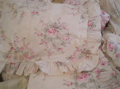 rachel ashwell shabby chic bedding is for a vintage yet