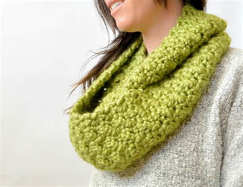 pattern for crochet infinity scarf chunky squishy crochet infinity scarf pattern in a