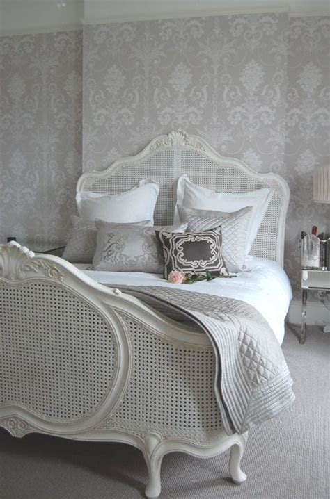 Boudoir Bedroom Wallpaper by Best 20 Boudoir Bedroom Ideas On