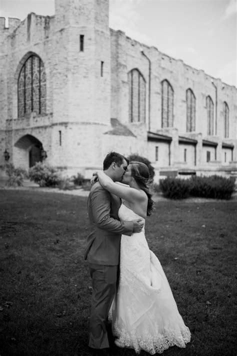 Top Milwaukee Wedding Photographers You Need to Know