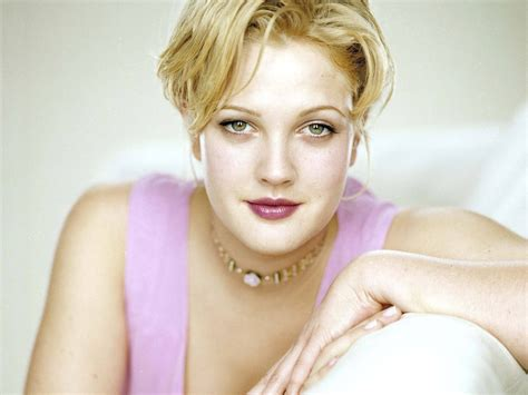 Drew Barrymore Pictures by Drew Barrymore Images Drew Pretty Wallpaper Hd Wallpaper