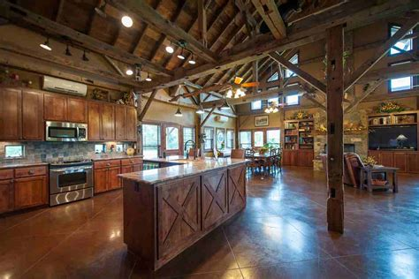 Horse Barn Floor Plans by Texas Country Barn Home Heritage Restorations
