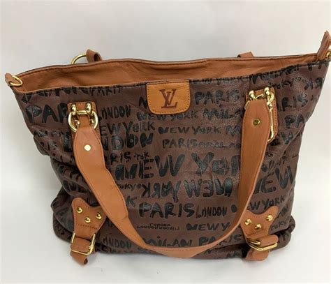 Lv 01 Rosegold Limited louis vuitton limited edition graffiti purse bag new york