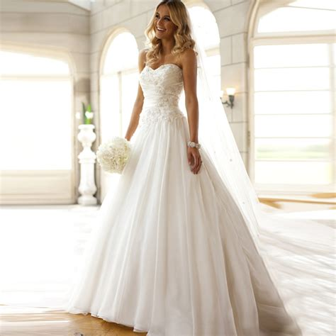 And White Wedding Dresses by Beautiful White Wedding Dresses Wedding Ideas