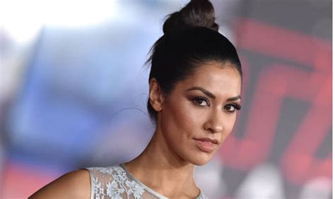 janina gavankar meghan harry wedding meghan markle friend who is janina gavankar is she going