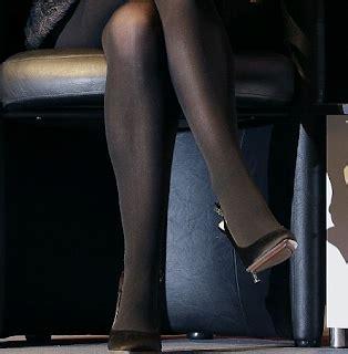 natealie hosiery celebrity legs and feet in tights natalie portman s legs