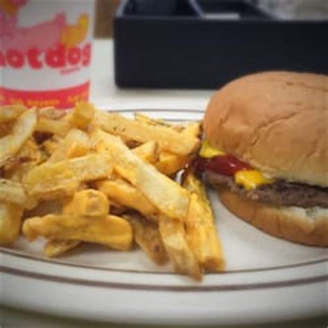 shoppe warren ohio the shoppe 62 foto s 111 reviews hotdogs 740 w market st warren oh