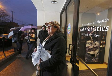 State Of Ohio Birth Records Hundreds Line Up To Request Birth Records The Blade