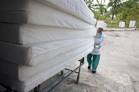 matratzen lieferung 100 matratzen f 252 r krankenhaus in moldawien lasst uns