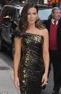 kate beckinsale brings some hollywood style glamour to an easter kate beckinsale s old hollywood glamour for the late show