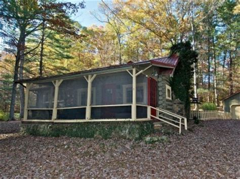 sanctuary log cabin for rent near nashville indiana