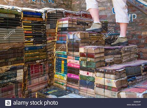 librerie venezia librerie libreria acqua alta a venezia libreria acqua
