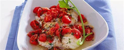 come cucinare rana pescatrice al forno medaglioni di rana pescatrice con pomodorini sale pepe