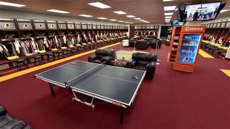 redskins locker room take a tour of the redskins awesome new locker room 12up