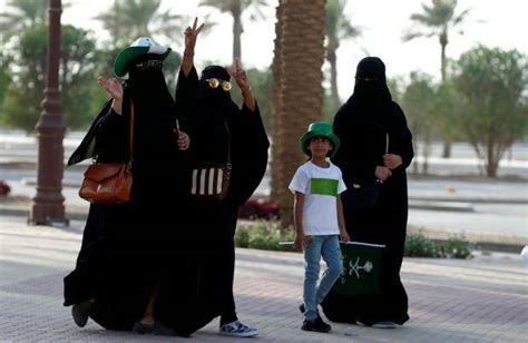 How To Make Money Online In Saudi Arabia - eight things women still can t do in saudi arabia the independent
