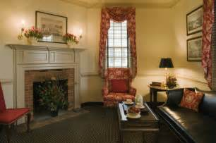Colonial Homes Decorating Ideas Ewing House Colonial Williamsburg Farmhouse Living Room
