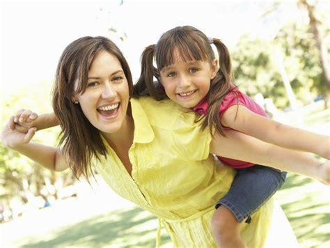 mamas comparten novio con hija 10 tips financieros para mam 225 s solteras actitudfem