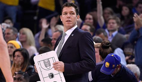 luke walton named western conference coach of the month
