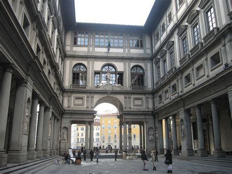 galleria degli uffici museums and galleries the uffizi gallery florence italy