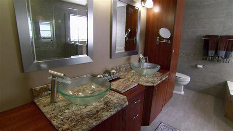 Small Bathroom Makeover Pictures by A Great Small Bathroom Makeover Safe Home Inspiration