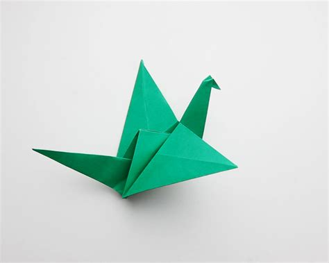 How Do You Make Origami Birds - how to make an origami flapping bird 14 steps with pictures