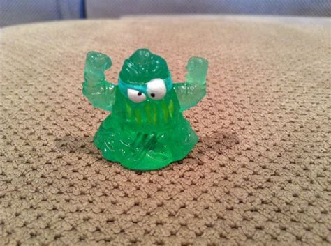 Shopkins Season 3 Idr 75 000 75 best images about trash pack on glow glow