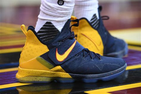 Sepatu Basket Lebron 14 Cavs Alternate lebron 14 nike lebron lebron news shoes basketball