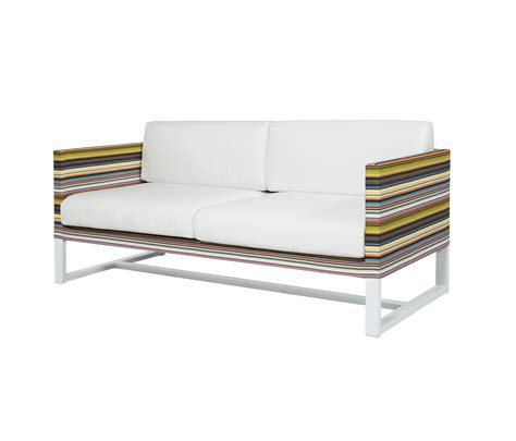 stripe sofa 2 seater gartensofas mamagreen architonic