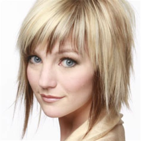 texturized and choppy bob haircut that can be air dryed to be wavy textured choppy bob fav haircuts pinterest