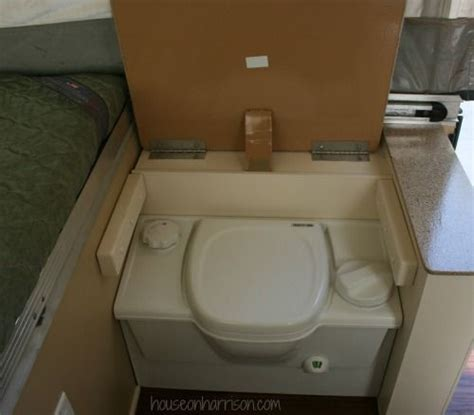 Composting Toilet Smell by Composting Toilet In A Pop Up Would There Be Smell
