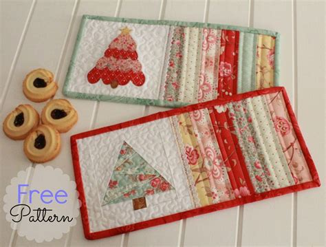 Free Pattern  Christmas Mug Rugs   Threadbare Creations