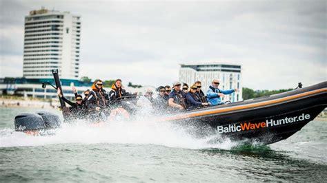 speedboot rostock schnellboottouren auf der ostsee speedboot powerbootsfahrten