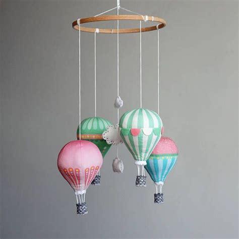 kinderzimmer deko frankreich die besten 17 ideen zu hei 223 luftballons auf