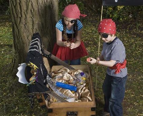 caccia al tesoro in giardino come far giocare i bambini alla caccia al tesoro in