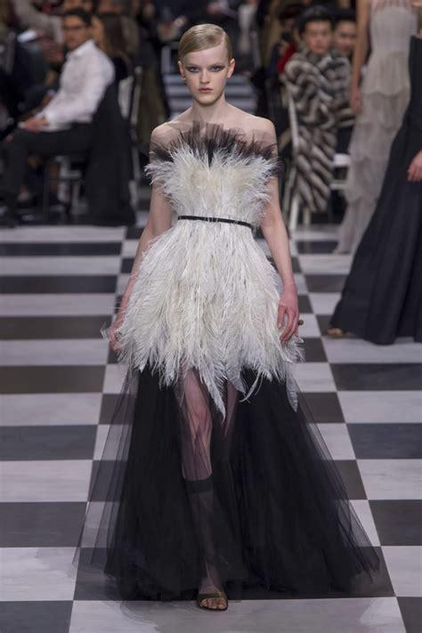 Harga Pakaian Merek Versace 10 brand fashion termahal di dunia kamu punya yang mana