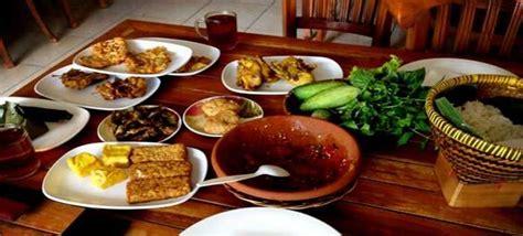 Meja Makan Murah Di Bandung 15 rumah makan sunda di bandung yang enak dan murah