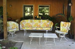 Retro Patio Furniture Sets 10 Happy And Affordable Outdoor Spaces Retro Renovation