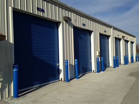 Entrance Storage Units 14 X 27 High Bay Door Storage Units Located In Davenport