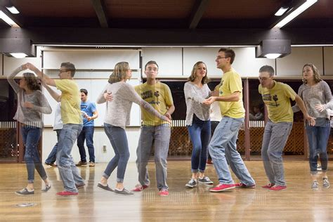 swing dance first dance dance break beginners take first steps to 20s harlem